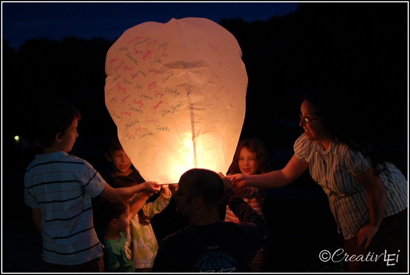Floating lanterns can be a beautiful memorial, if released carefully and safely. | CreativLEI.com