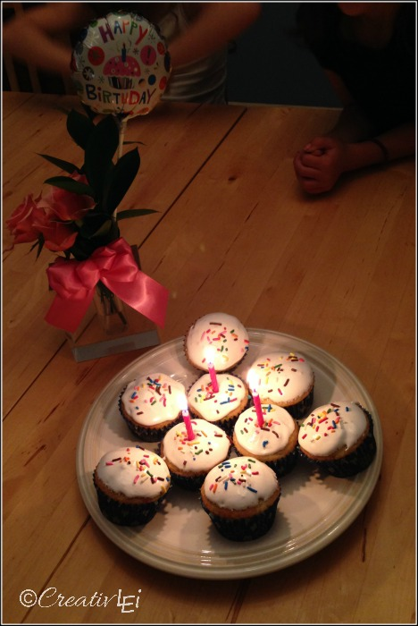 Bake cupcakes and sing in memorial of a baby who passed away. | CreativLEI.com
