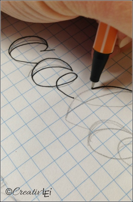 Use a fine line pen to trace the outline of your creative lettering. - CreativLEI.com